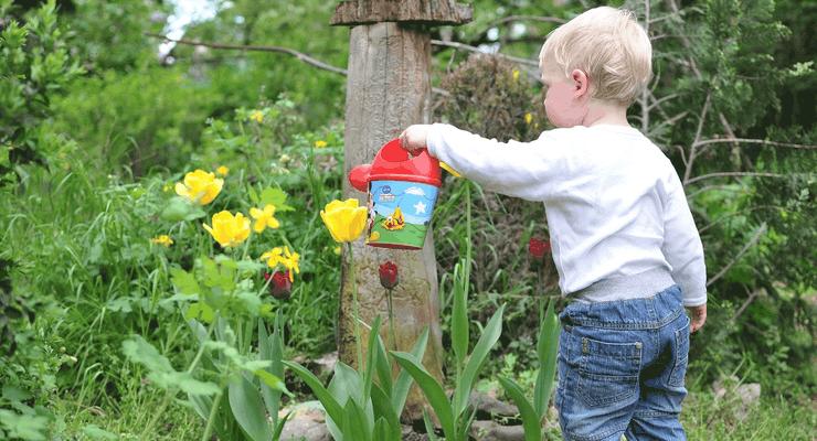 Mit was spielen Eure Kinder im Garten